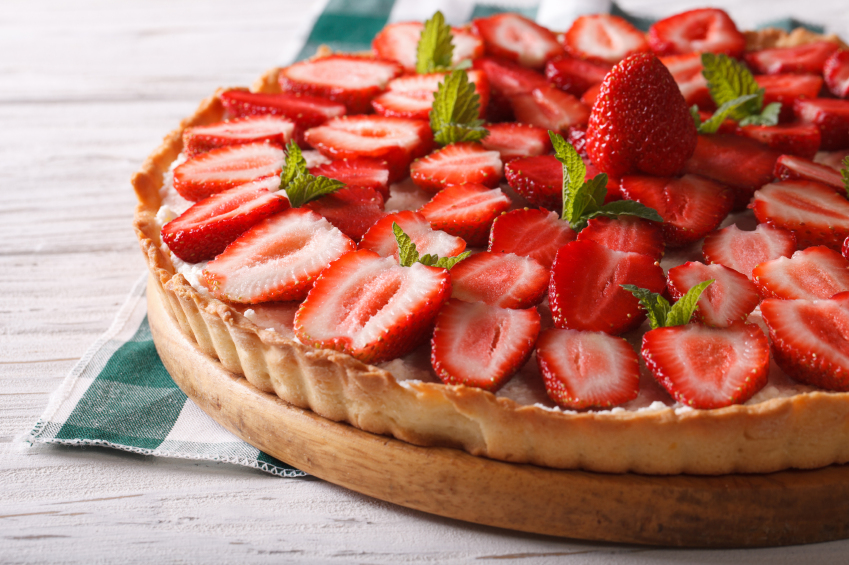 12 cakes with strawberries easy to prepare