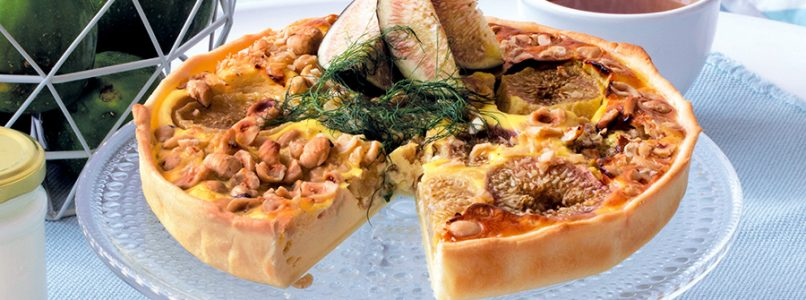 Recipe Savory pie with figs, goat cheese and hazelnuts