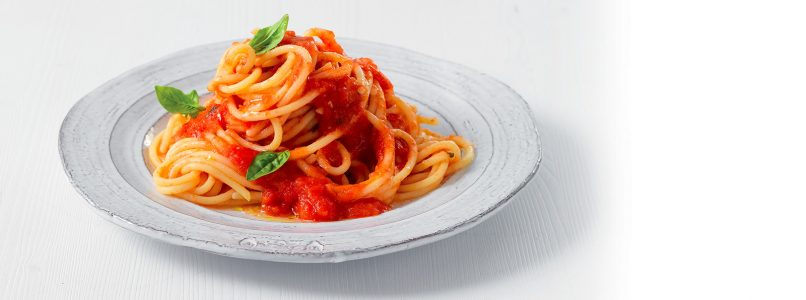 How are spaghetti with tomato sauce made? The traditional recipe