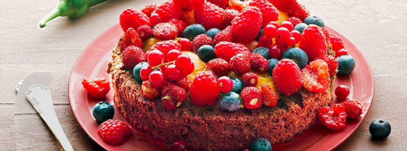 Chocolate, red pepper and red fruit cake recipe