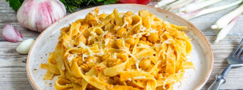 Chickpeas and tria: the recipe of fried pasta with chickpeas