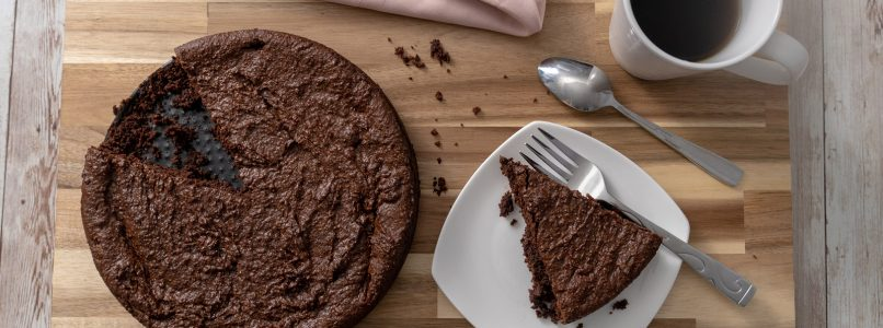 Chocolate cake without butter and without eggs