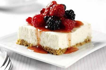 Desserts with berries: the easiest and fastest recipes