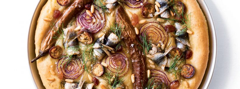 Focaccia recipe with sardines, red onion and aubergines