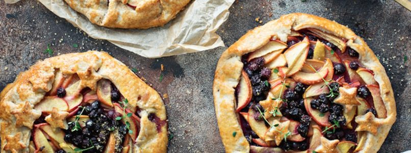 Fruit galettes, rustic and beautiful