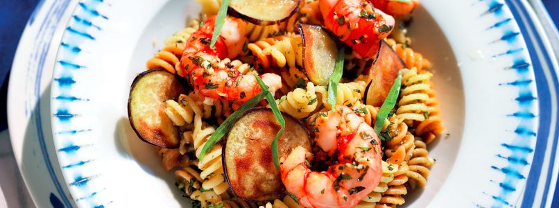Fusilli recipe with tarragon pesto with eggplant and shrimp