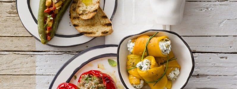 How to cook peppers stuffed with vegetables