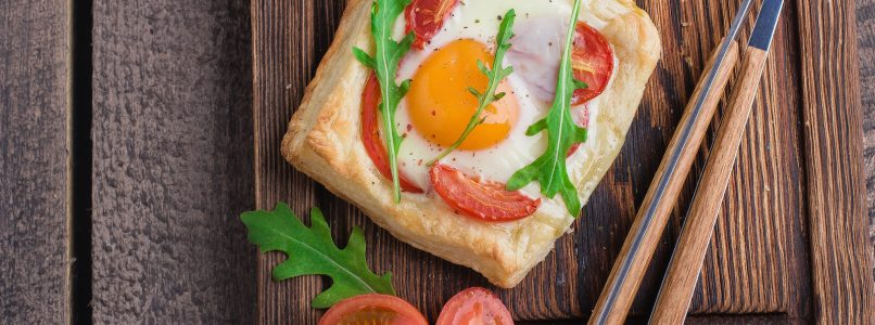 How to make simple fried eggs special