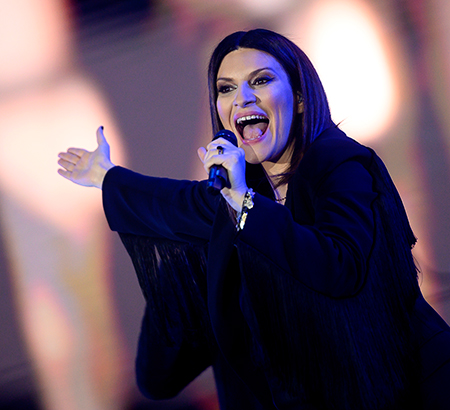 Laura Pausini does 45. What do you prefer in the kitchen?