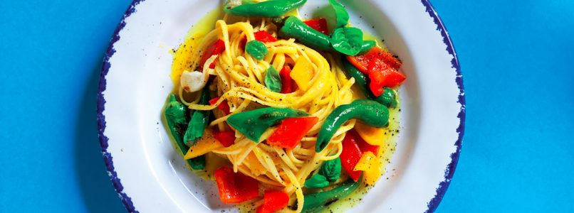 Linguine recipe with garlic, oil and peppers