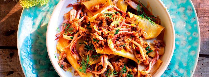 Maltagliati recipe with sausage and squid
