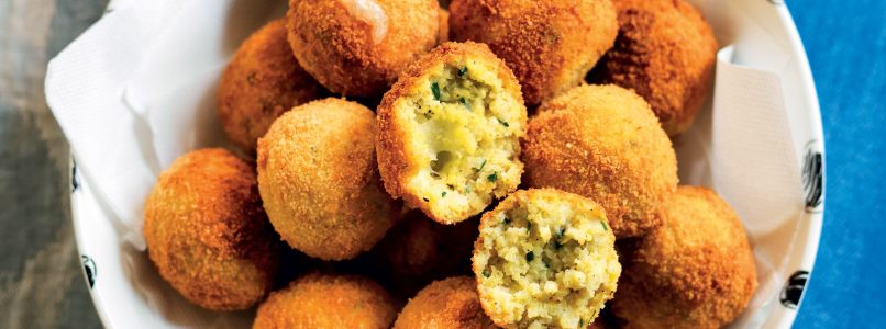 Mini cheese millet arancini recipe with pepper sauce
