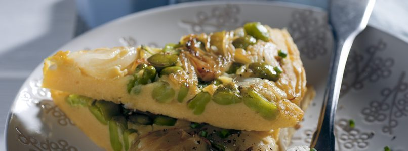 Omelette with chickpea flour, spring onions and broad beans