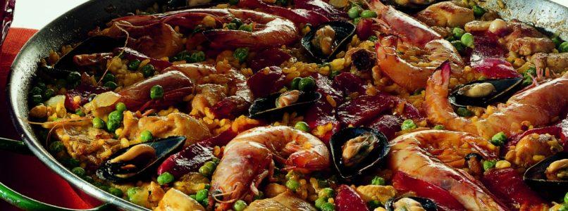 Paella a la valenciana recipe (Valencian rice)