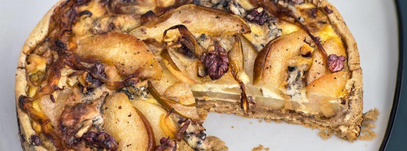 Pear and gorgonzola tart in red walnut crust