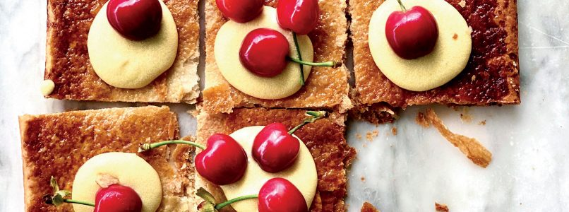 Puff pastry recipe with cream and cherries