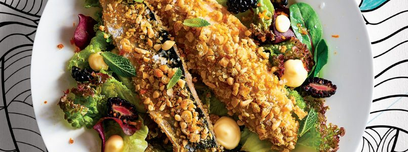 Recipe Baked mackerel in a crust of breadsticks, pine nuts and orange