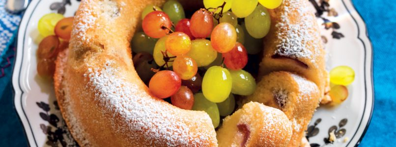 Recipe Ciambellone with water, ginger and grapes