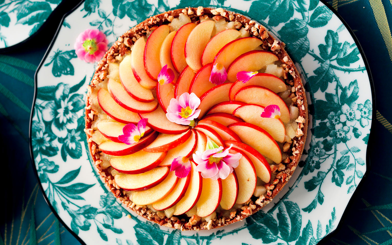 Recipe Frangipane tart with pecan nuts and caramelized apples