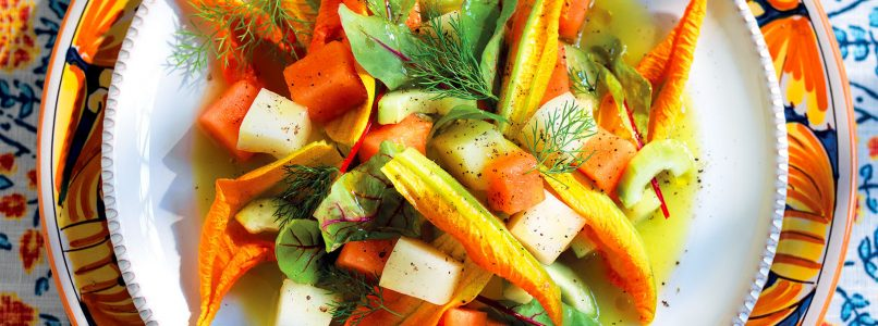 Recipe Melon and cucumber salad with celery soup