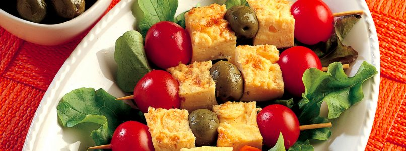 Recipe Omelette skewers, olives and cherry tomatoes