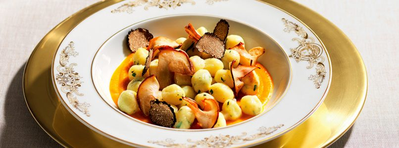 Recipe Potato gnocchi, porcini mushrooms and truffle on pumpkin cream