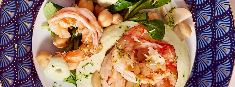 Recipe Shrimp salad with macadamia nut and lime cream