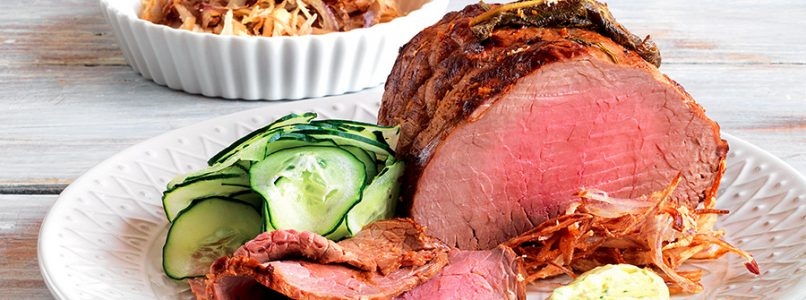 Roast beef recipe with fried shallots and cucumbers