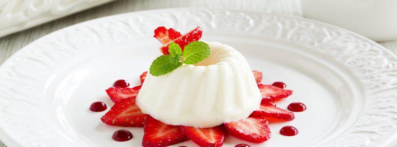The biancomangiare, a simple and delicate dessert, quick to prepare