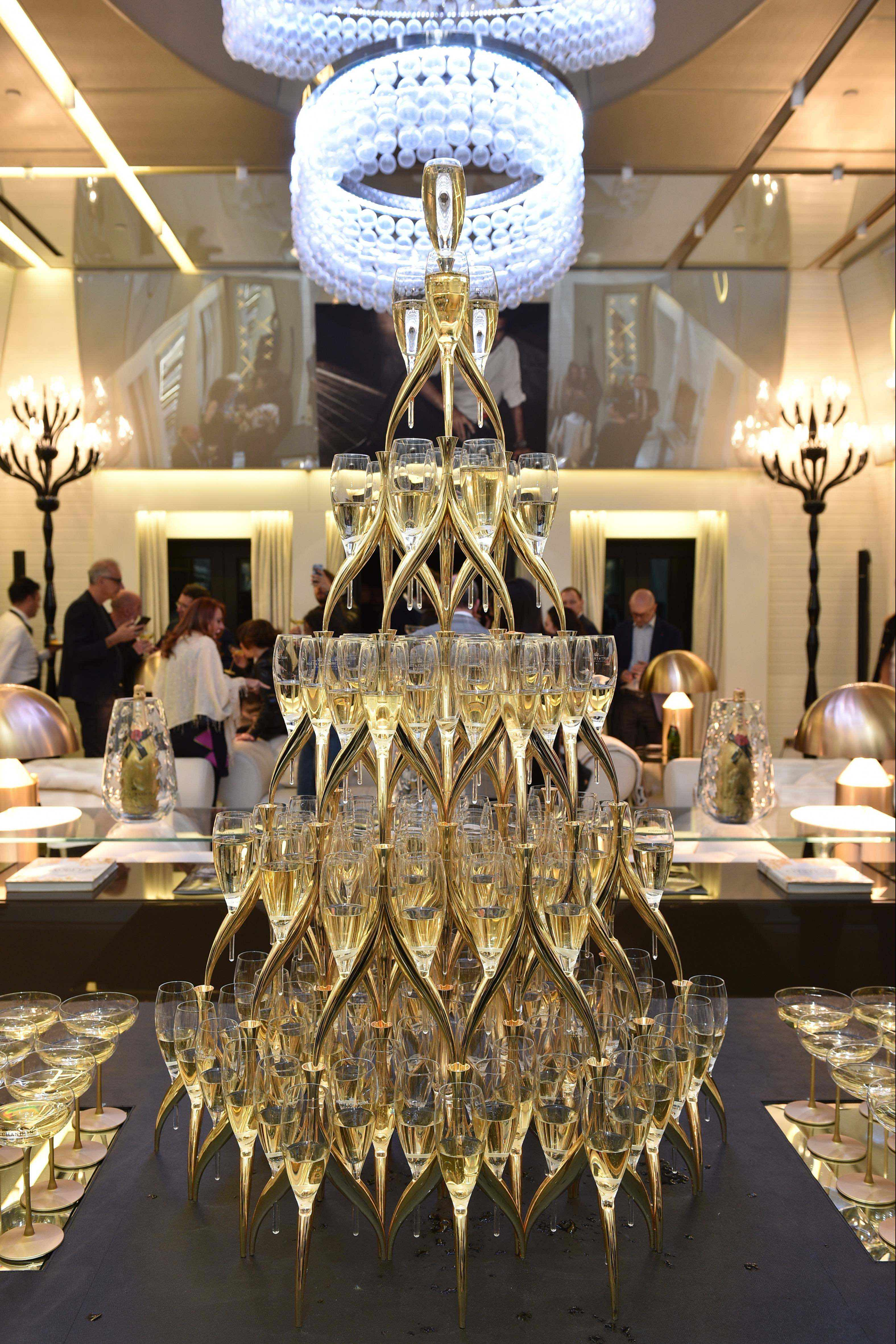 The champagne icon for the best moments of life
