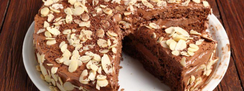 Three cakes for celiacs who also like those who are not celiac