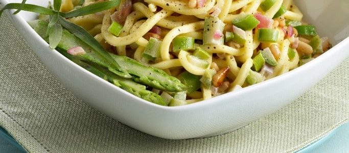 Troccoli with white ragout of asparagus and pine nuts