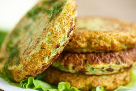 Zucchini burger: three quick and easy recipes